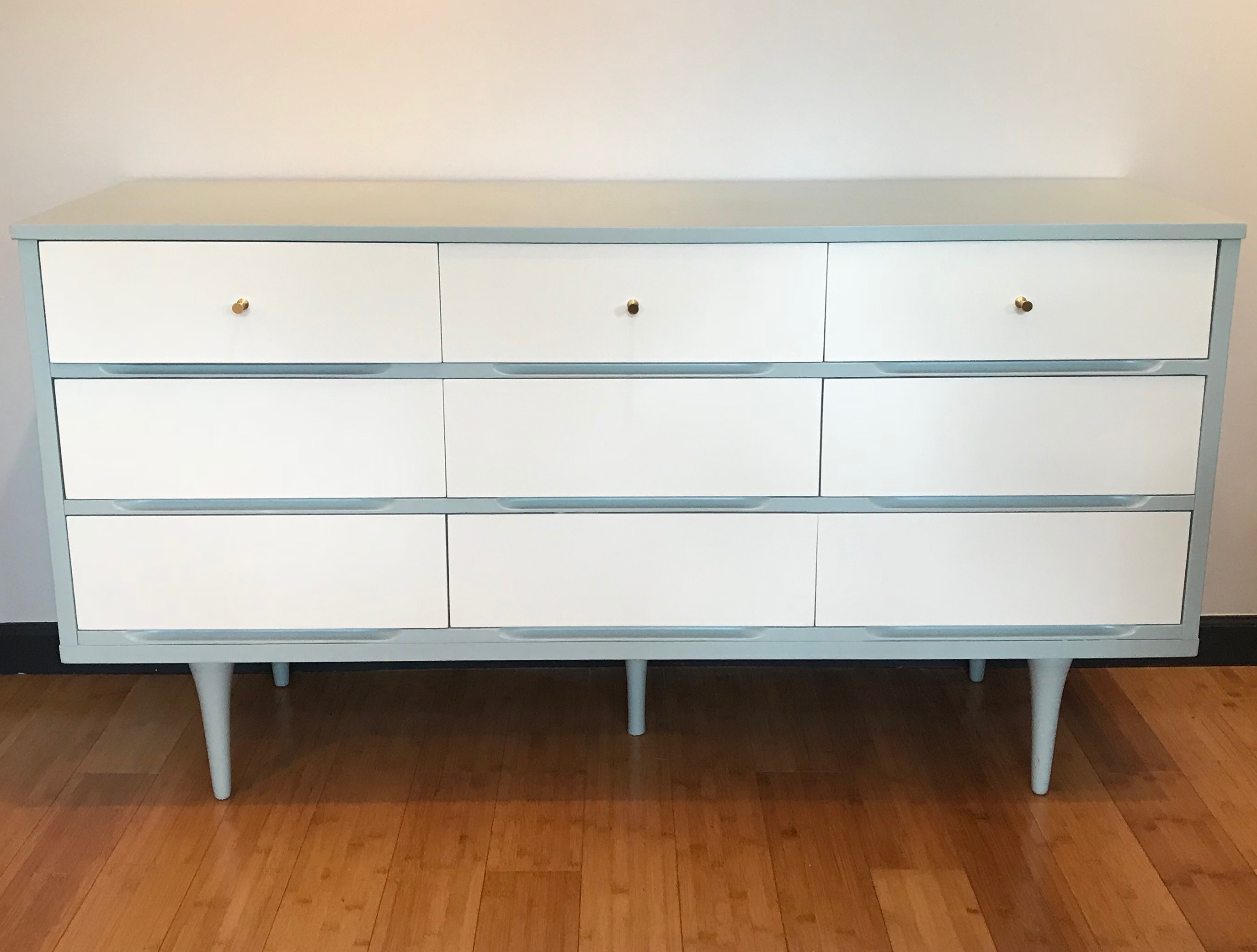 gray and white dresser_vintage furniture_refinished furniture_refinished dresser_vintage dresser_painted furniture_painted dresser