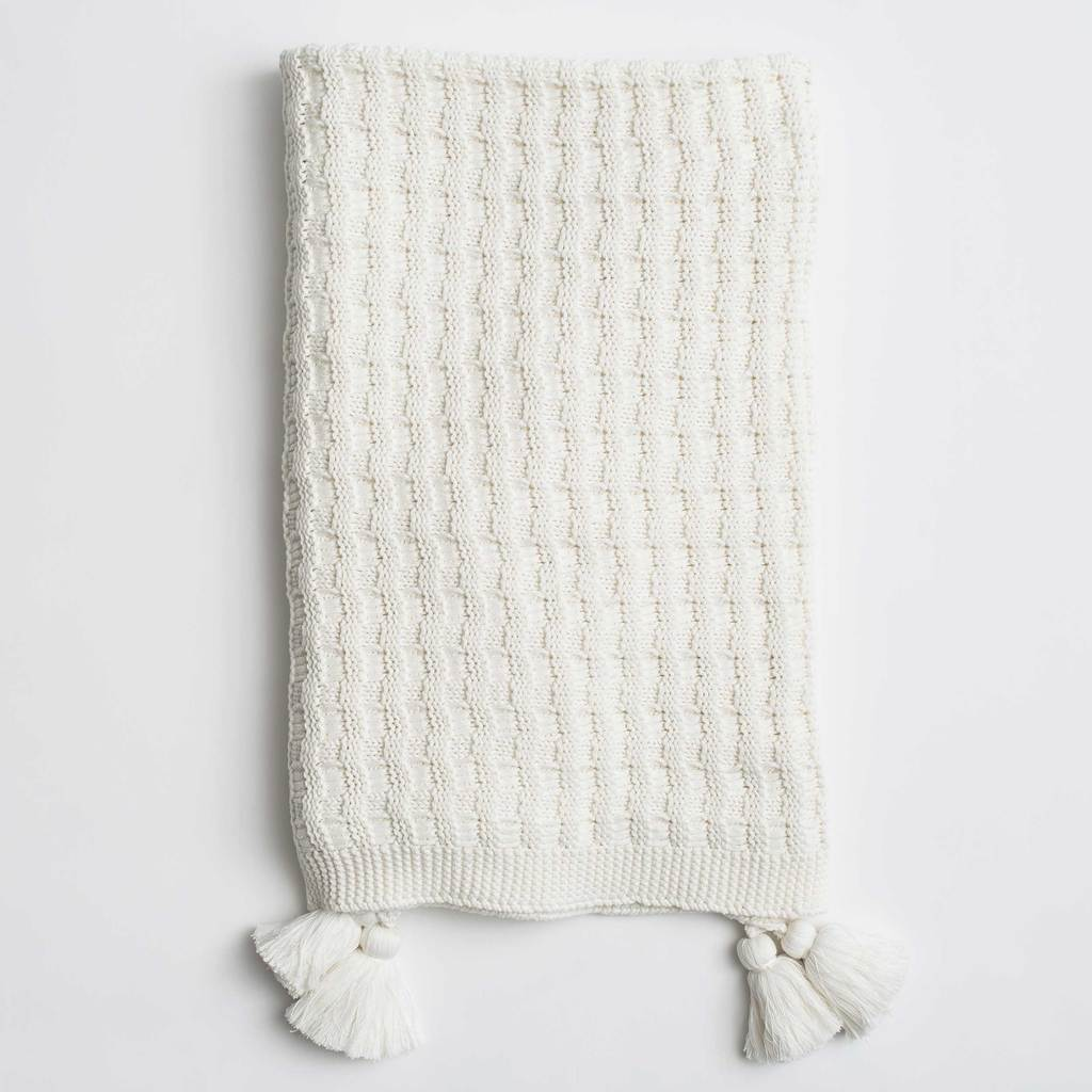 white tassel chunky knit throw blanket