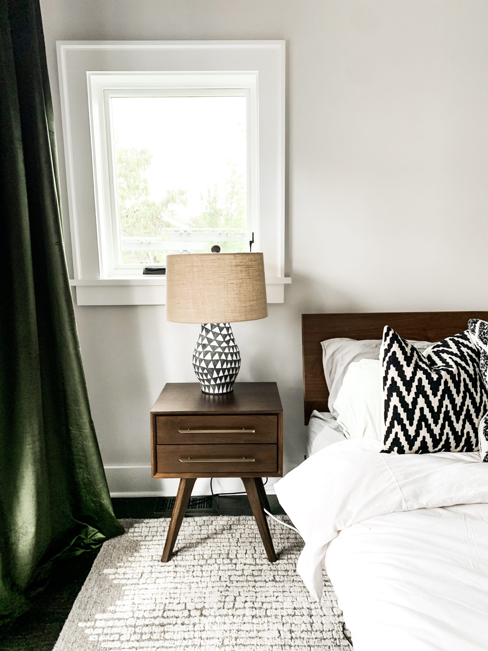 ThePhinery-Neutral-Layered-Bedroom02