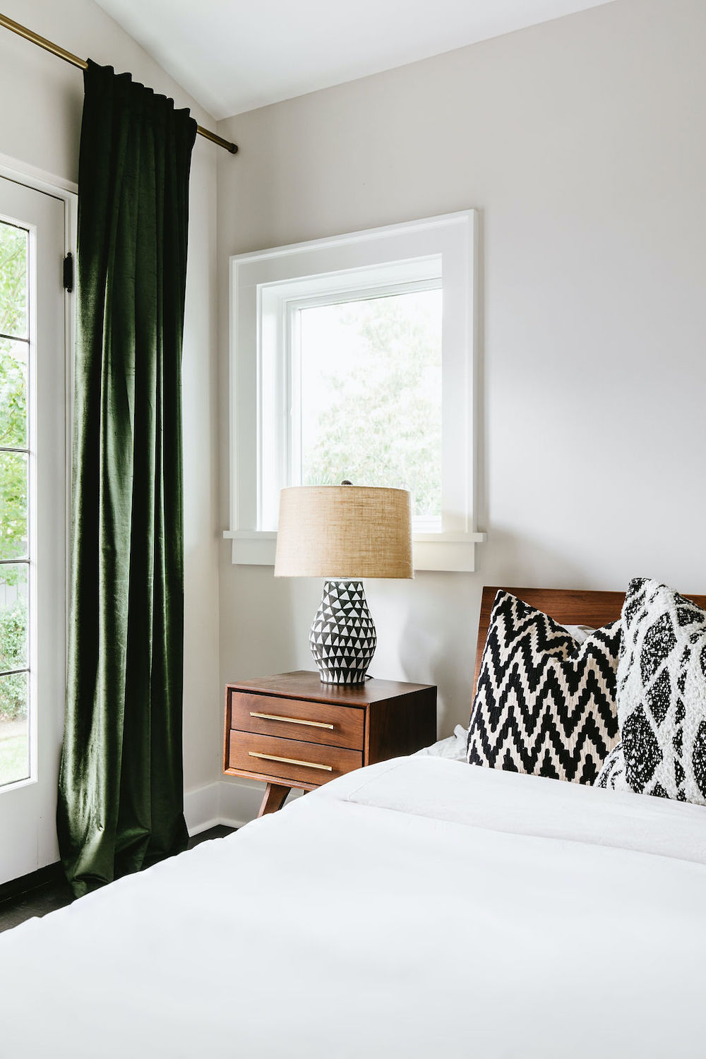 ThePhinery-Neutral-Layered-Bedroom03