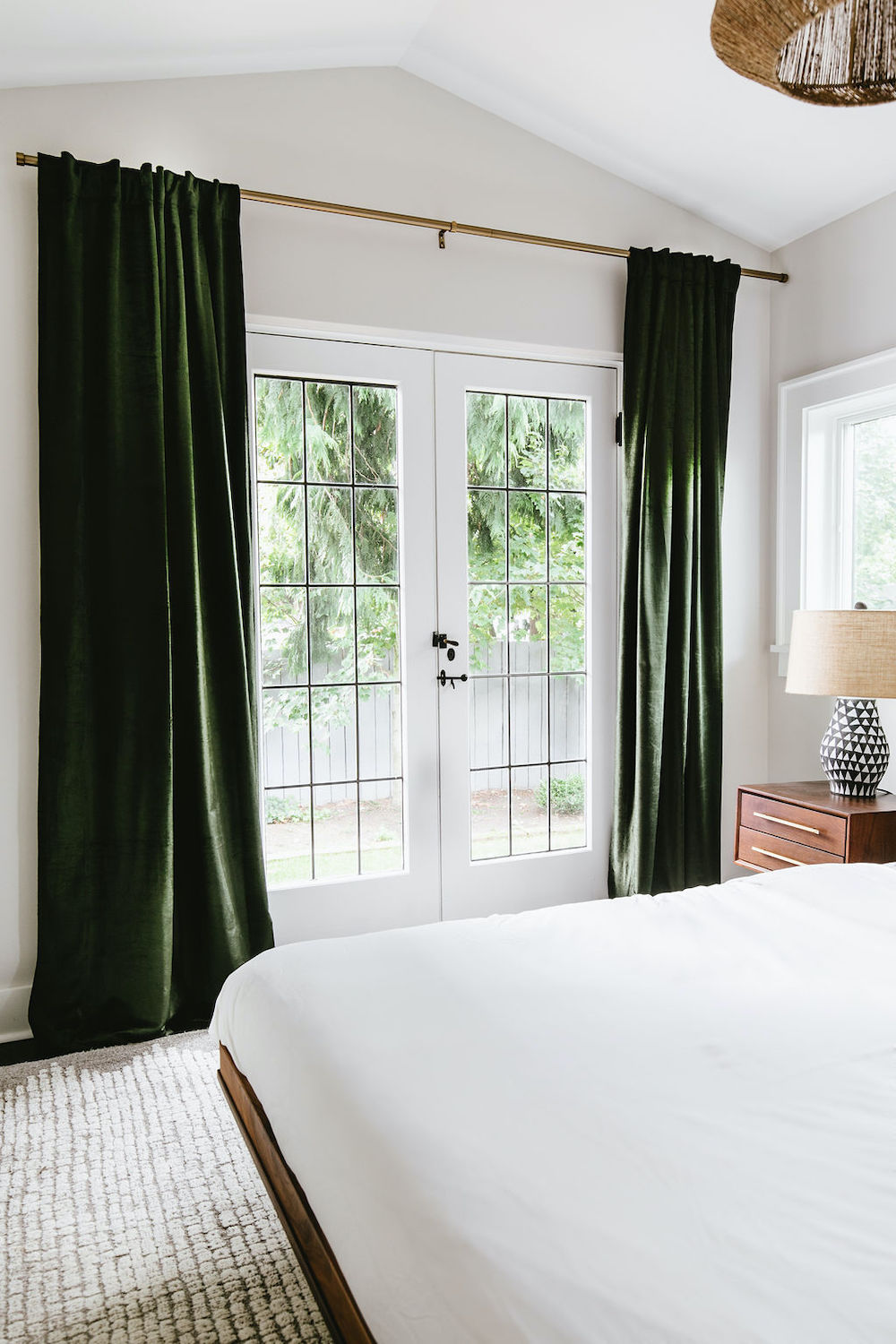 ThePhinery-Neutral-Layered-Bedroom04
